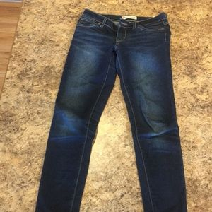 Qty: 2 pairs of Levi Jeans. 10 Regular